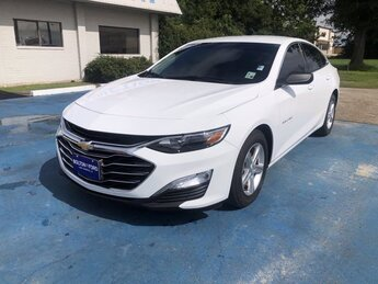 2019 Summit White Chevrolet Malibu LS 4 Door FWD Turbocharged Gas I4 1.5L/91 Engine Sedan