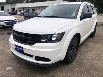 2017 Vice White Dodge Journey SE 4 Door SUV FWD