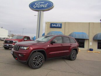 2019 Velvet Red Pearlcoat Jeep Grand Cherokee Trailhawk 3.6L V6 Engine 4X4 SUV Automatic