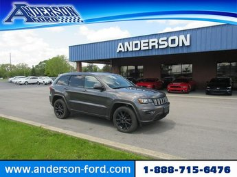 2017 Granite Crystal Metallic Clearcoat Jeep Grand Cherokee Altitude 4x4 *Ltd Avail* SUV 4X4 Gas V6 3.6L Engine