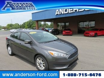 2015 Magnetic Ford Focus 4dr Sdn SE Gas/Ethanol I4 2.0L Engine 4 Door Sedan