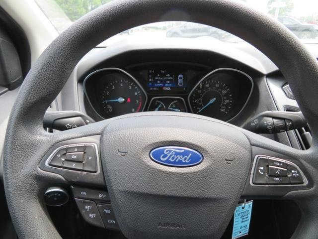 2015 Magnetic Ford Focus 4dr Sdn SE 4 Door Sedan Automatic