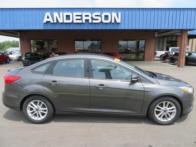 2015 Magnetic Ford Focus 4dr Sdn SE Gas/Ethanol I4 2.0L Engine 4 Door Sedan Automatic FWD