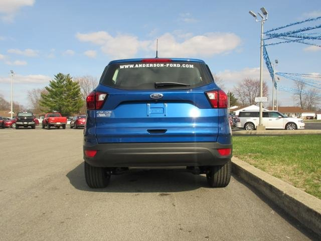 2019 Lightning Blue Metallic Ford Escape S FWD Gas I4 2.5L Engine Automatic FWD