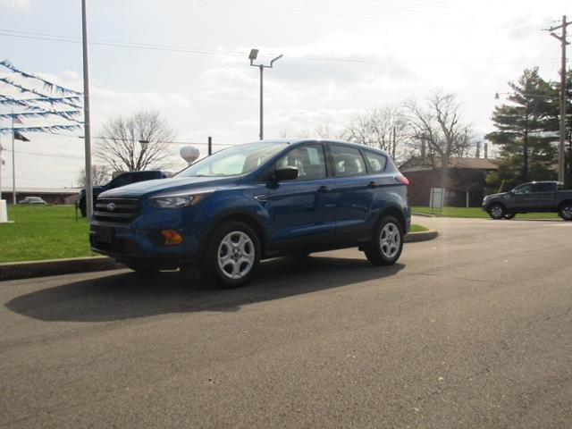 2019 Lightning Blue Metallic Ford Escape S FWD FWD 4 Door Gas I4 2.5L Engine SUV