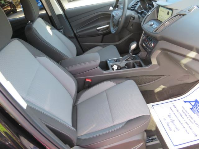 2019 Ford Escape SE FWD Gas I4 1.5L Engine Automatic FWD 4 Door