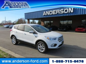 2019 Oxford White Ford Escape SE FWD 4 Door FWD Automatic