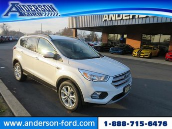 2018 White Platinum Metallic Tri-Coat Ford Escape SE FWD SUV 4 Door FWD Gas I4 1.5L Engine