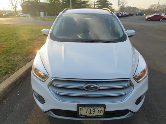 2018 White Platinum Metallic Tri-Coat Ford Escape SE FWD SUV Automatic FWD
