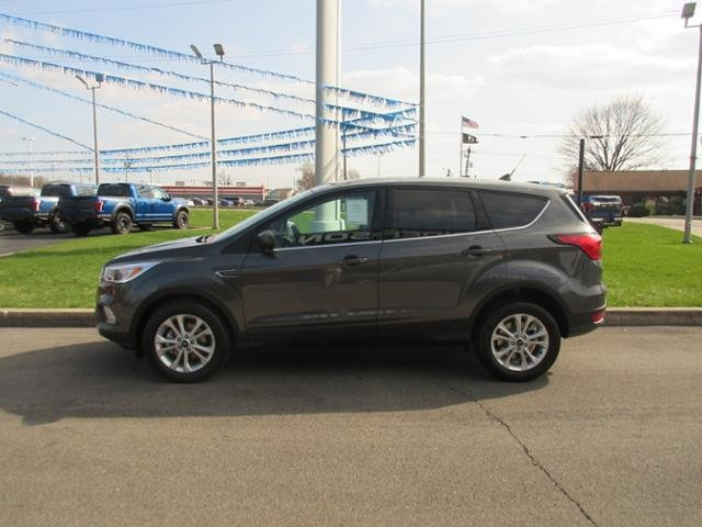 2019 Magnetic Metallic Ford Escape SE FWD Gas I4 1.5L Engine FWD SUV Automatic