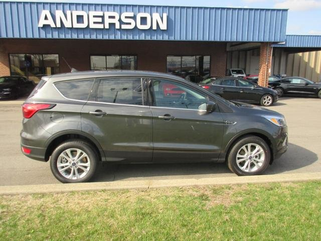 2019 Magnetic Metallic Ford Escape SE FWD Gas I4 1.5L Engine SUV Automatic 4 Door FWD