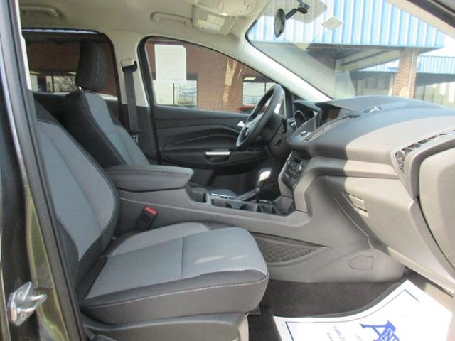 2019 Ford Escape SE FWD FWD Automatic 4 Door SUV Gas I4 1.5L Engine
