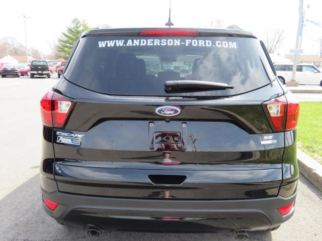 2019 Agate Black Metallic Ford Escape SE 4WD Gas I4 1.5L Engine 4X4 SUV Automatic