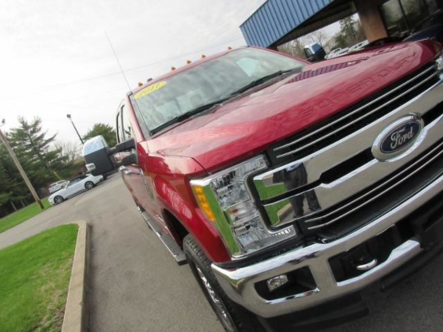 2017 Ford Super Duty F-350 SRW Lariat 4WD Crew Cab 6.75 Box 4X4 Truck Diesel I8 6.7L Engine Automatic 4 Door