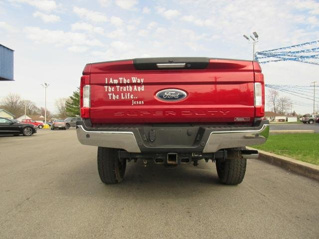 2017 Ruby Red Metallic Tinted Clearcoat Ford Super Duty F-350 SRW Lariat 4WD Crew Cab 6.75 Box 4X4 4 Door Diesel I8 6.7L Engine Automatic Truck