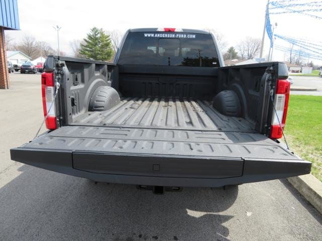 2018 Magnetic Metallic Ford Super Duty F-350 SRW LARIAT 4WD Crew Cab 6.75 Box 4 Door Truck Diesel I8 6.7L Engine 4X4 Automatic