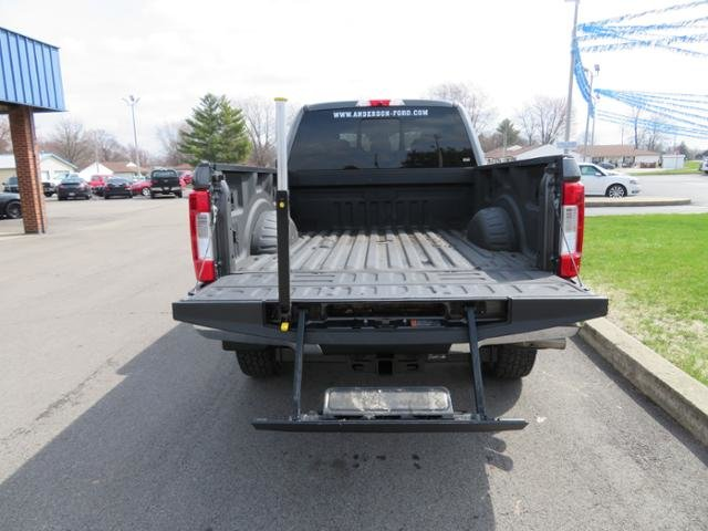 2018 Magnetic Metallic Ford Super Duty F-350 SRW LARIAT 4WD Crew Cab 6.75 Box Truck 4 Door Diesel I8 6.7L Engine 4X4 Automatic