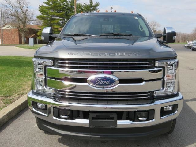 2018 Magnetic Metallic Ford Super Duty F-350 SRW LARIAT 4WD Crew Cab 6.75 Box 4 Door Truck 4X4 Diesel I8 6.7L Engine