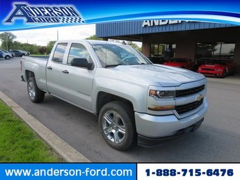 2016 Silver Ice Metallic Chevy Silverado 1500 4WD Double Cab 143.5 Custom 4X4 Truck 4 Door Gas I8 5.3L Engine Automatic