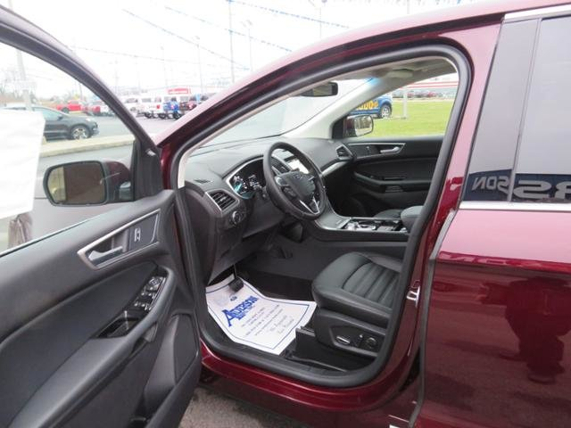 2019 Burgundy Velvet Metallic Tinted Clearcoat Ford Edge SEL FWD FWD SUV Gas I4 2.0L Engine