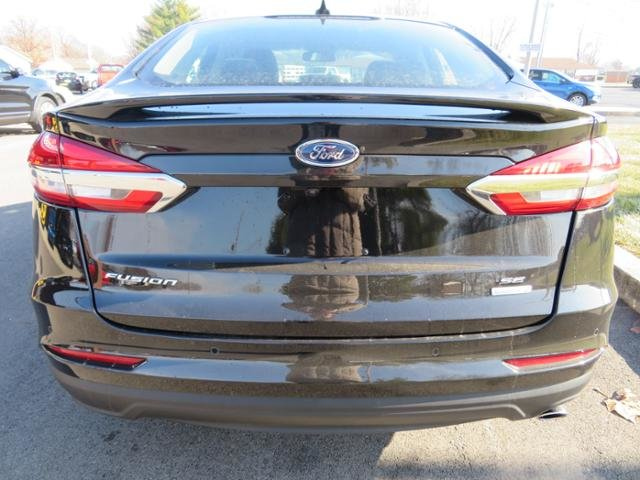 2019 Ford Fusion SE FWD 4 Door FWD Sedan Automatic Gas I4 1.5L Engine