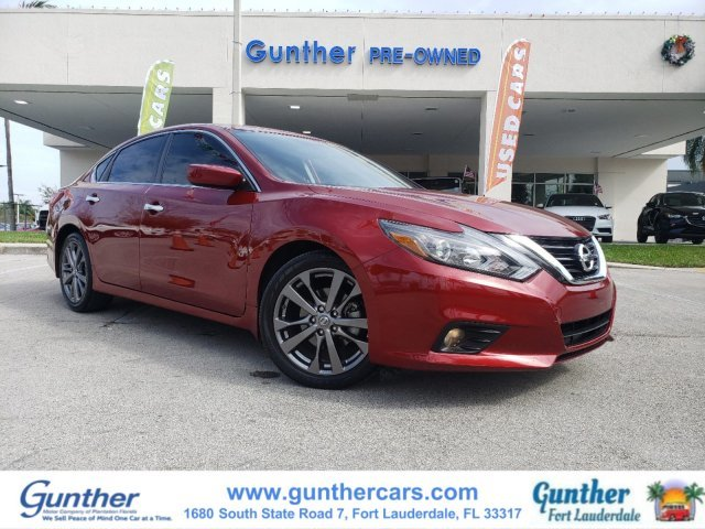 2018 Nissan Altima 2.5 SR Automatic (CVT) 4 Door FWD Regular Unleaded I-4 2.5 L/152 Engine Sedan