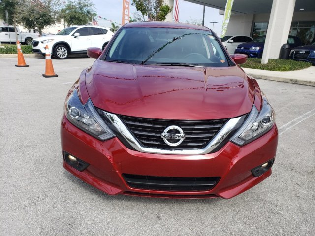 2018 Scarlet Ember Nissan Altima 2.5 SR FWD Sedan Regular Unleaded I-4 2.5 L/152 Engine 4 Door Automatic (CVT)