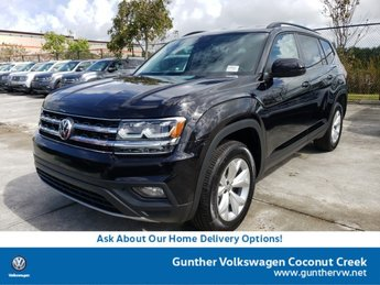 2020 Deep Black Pearl Volkswagen Atlas 2.0T SE Automatic SUV 4 Door Intercooled Turbo Regular Unleaded I-4 2.0 L/121 Engine FWD