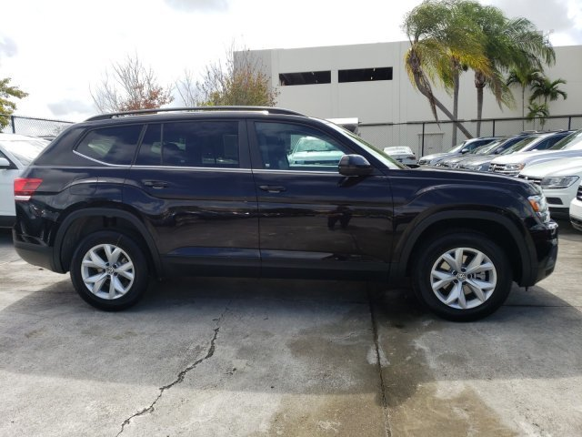 2020 Deep Black Pearl Volkswagen Atlas 2.0T SE Automatic Intercooled Turbo Regular Unleaded I-4 2.0 L/121 Engine FWD SUV