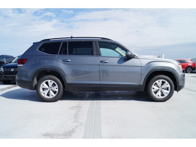 2020 Platinum Gray Metallic Volkswagen Atlas 2.0T SE Automatic Intercooled Turbo Regular Unleaded I-4 2.0 L/121 Engine 4 Door
