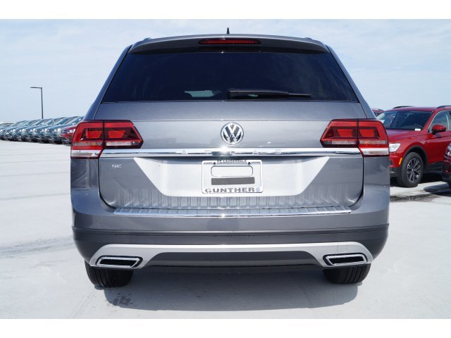 2020 Platinum Gray Metallic Volkswagen Atlas 2.0T SE Automatic 4 Door SUV Intercooled Turbo Regular Unleaded I-4 2.0 L/121 Engine