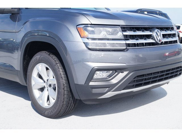 2020 Platinum Gray Metallic Volkswagen Atlas 2.0T SE Automatic Intercooled Turbo Regular Unleaded I-4 2.0 L/121 Engine FWD SUV 4 Door