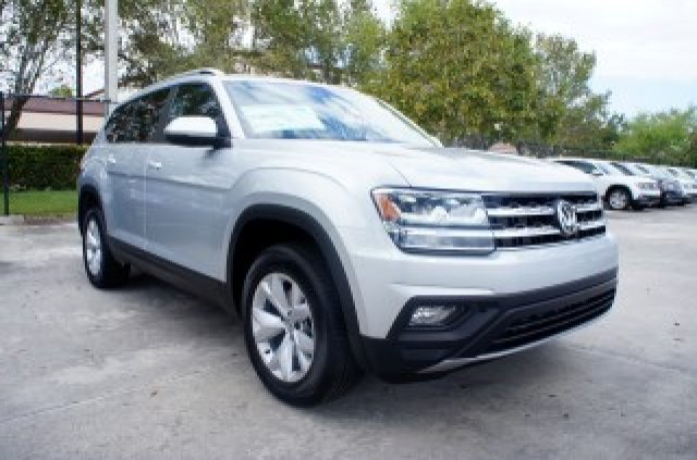 2019 Reflex Silver Metallic Volkswagen Atlas 3.6L V6 SE Automatic Regular Unleaded V-6 3.6 L/220 Engine FWD