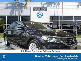 2020 Deep Black Pearl Volkswagen Passat 2.0T S Sedan FWD Intercooled Turbo Regular Unleaded I-4 2.0 L/121 Engine 4 Door Automatic