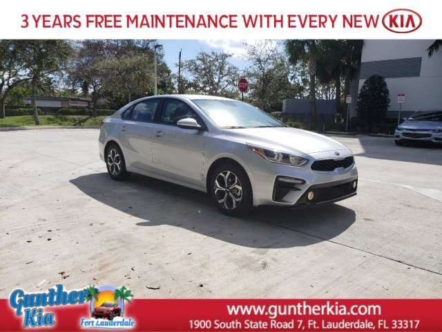 2020 Silky Silver Kia Forte LXS Regular Unleaded I-4 2.0 L/122 Engine 4 Door FWD Automatic (CVT) Sedan