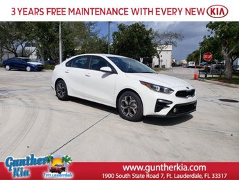 2020 Clear White Kia Forte LXS Automatic (CVT) FWD Regular Unleaded I-4 2.0 L/122 Engine
