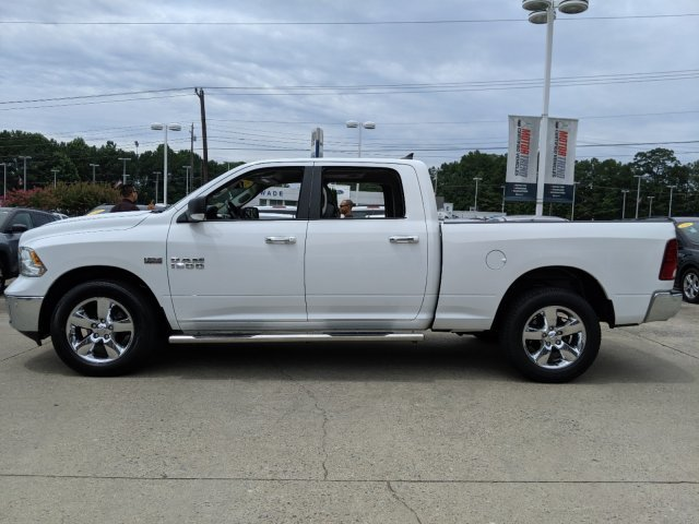 2017 Bright White Clearcoat Ram 1500 Big Horn 4X4 Automatic Truck 4 Door