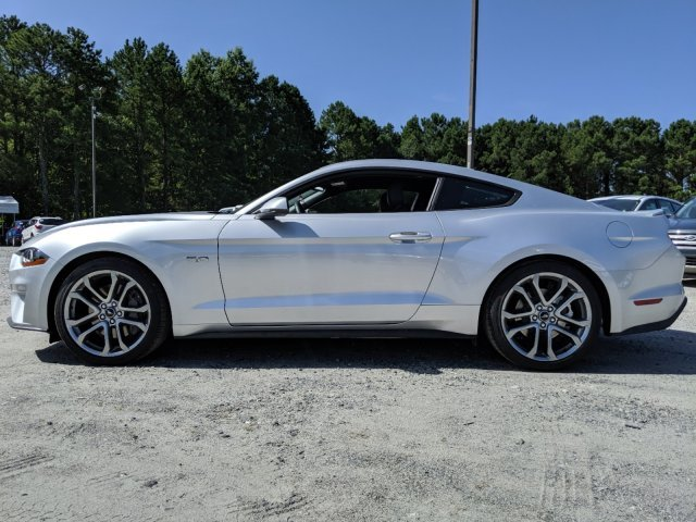 2019 Ford Mustang GT Premium 2 Door Premium Unleaded V-8 5.0 L/302 Engine RWD Coupe Automatic