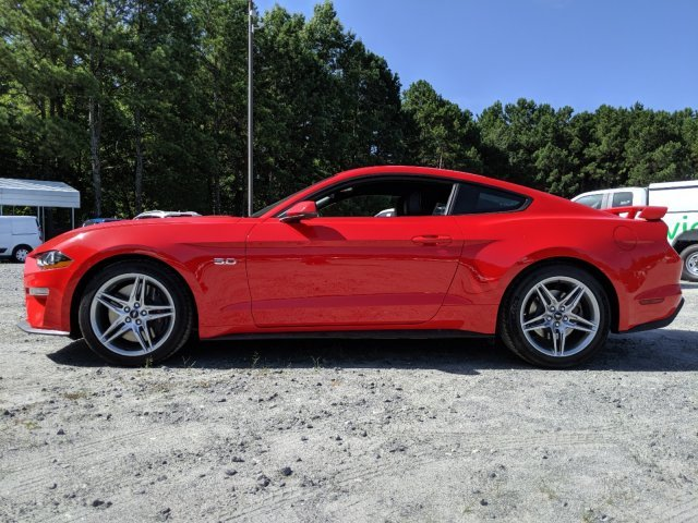 2019 Race Red Ford Mustang GT Premium RWD Premium Unleaded V-8 5.0 L/302 Engine 2 Door Coupe