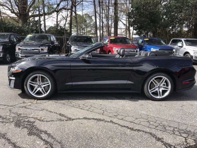2019 Ford Mustang EcoBoost Premium Automatic RWD Intercooled Turbo Premium Unleaded I-4 2.3 L/140 Engine