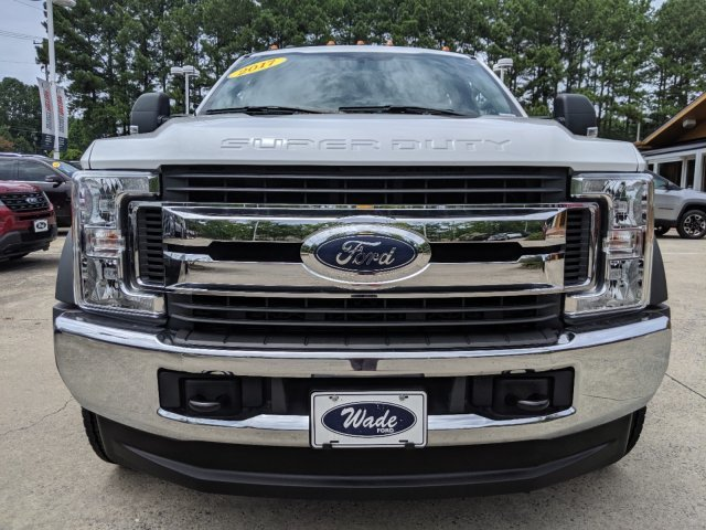 2017 Ford Super Duty F-450 DRW XLT V-8 6.7 L/406 Engine Automatic Truck 4X4