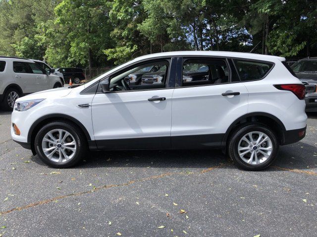 2019 Oxford White Ford Escape S 4 Door SUV Regular Unleaded I-4 2.5 L/152 Engine Automatic FWD
