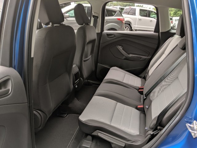 2019 Lightning Blue Metallic Ford Escape S Regular Unleaded I-4 2.5 L/152 Engine SUV FWD 4 Door Automatic