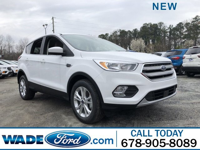 2019 Oxford White Ford Escape SE FWD SUV 4 Door