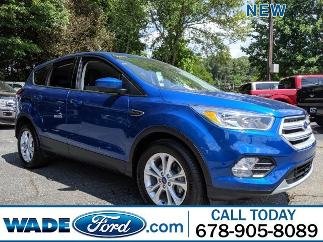 2019 Lightning Blue Metallic Ford Escape SE Intercooled Turbo Regular Unleaded I-4 1.5 L/92 Engine FWD SUV
