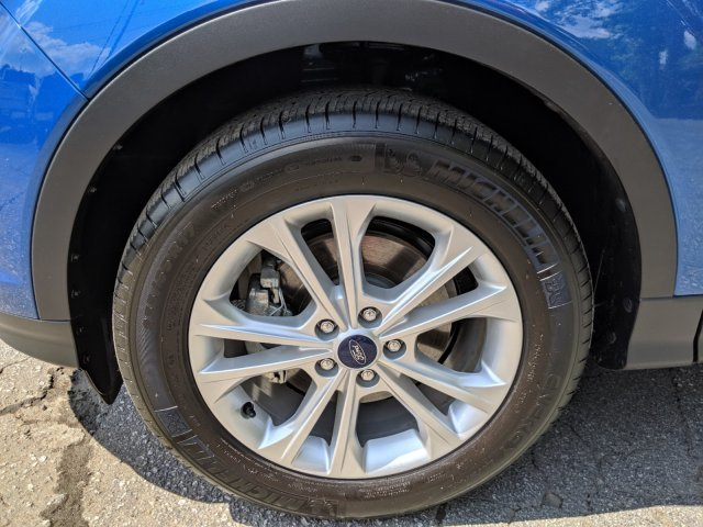 2019 Lightning Blue Metallic Ford Escape SE Automatic FWD SUV
