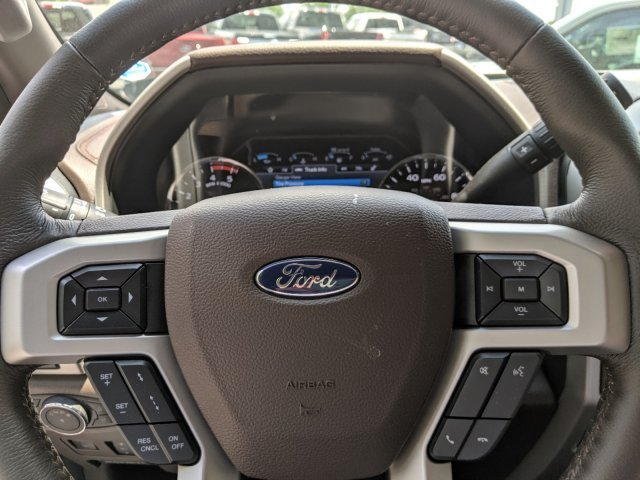 2019 Ford Super Duty F-350 DRW Limited 4 Door Truck Automatic Intercooled Turbo Diesel V-8 6.7 L/406 Engine 4X4