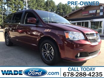 2017 Octane Red Pearlcoat Dodge Grand Caravan SXT Regular Unleaded V-6 3.6 L/220 Engine FWD Van