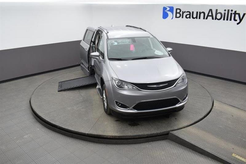 2019 Chrysler Pacifica Touring L 6 Engine FWD Van