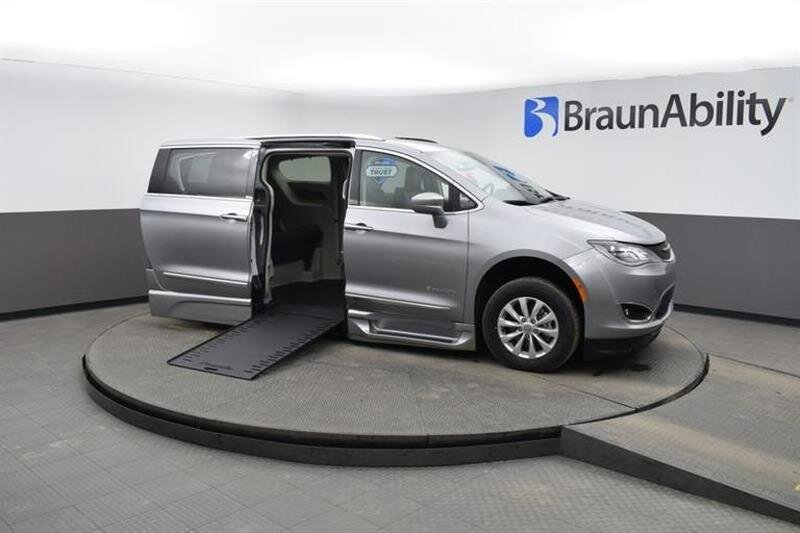 2019 Chrysler Pacifica Touring L 4 Door FWD 6 Engine